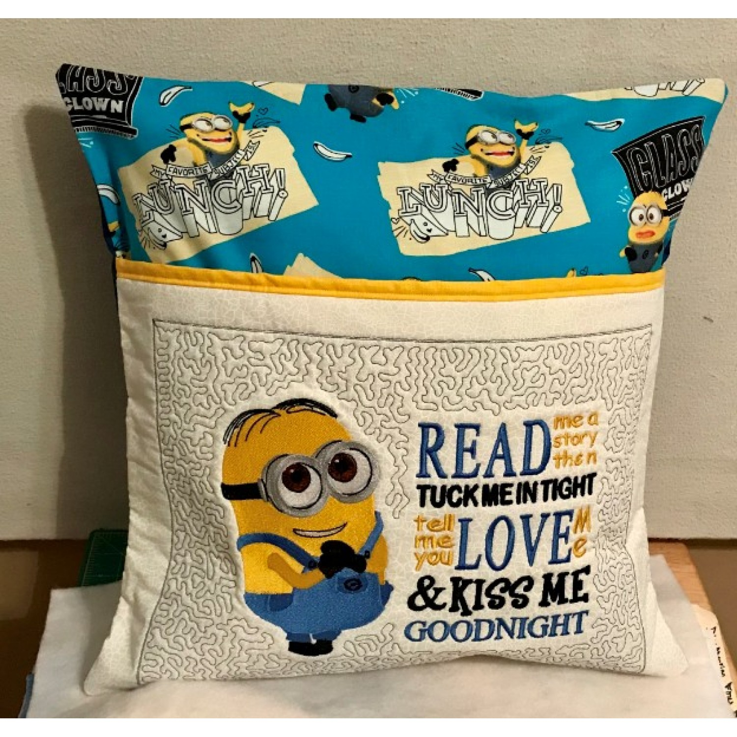 minion shame with read me a story 2 designs 3 sizes