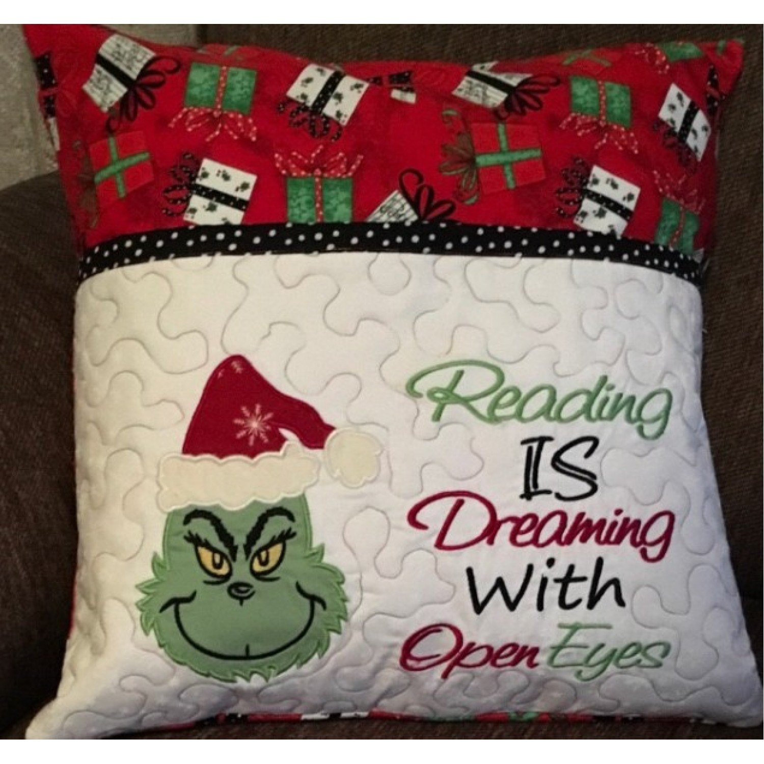 grinch applique with reading is dreaming 2 designs 3 sizes