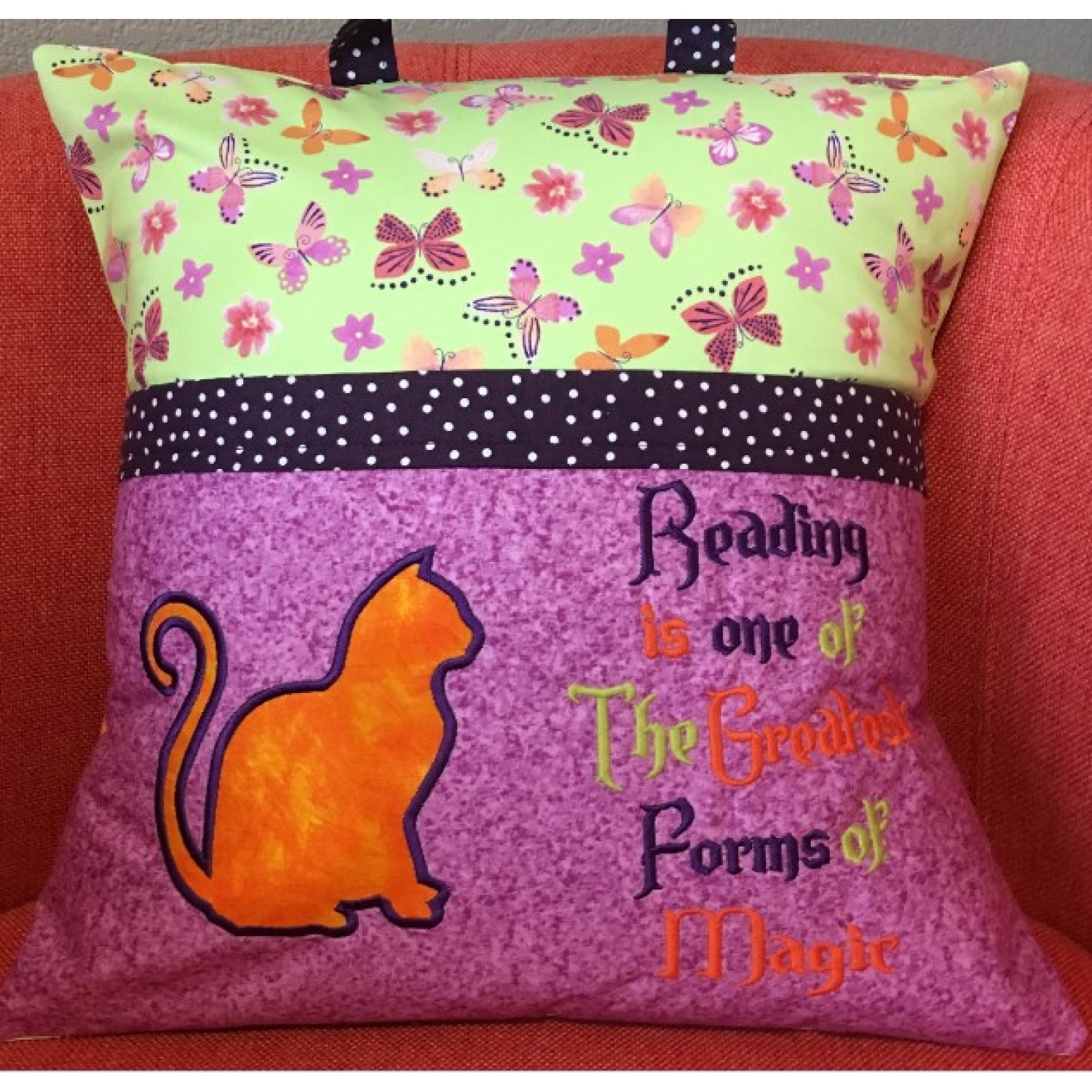 Cat Applique with Reading is one 2 designs 3 sizes