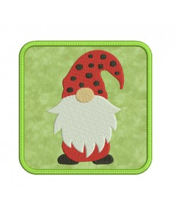 mug rug gnome in the hoop