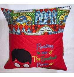 Harry Potter Face Applique with Reading is one