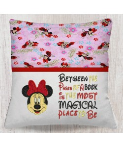 Minnie mouse face Between the Pages