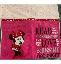 minnie mouse with read me a story