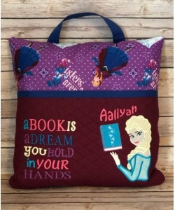 Elsa Frozen a book is a dream reading pillow