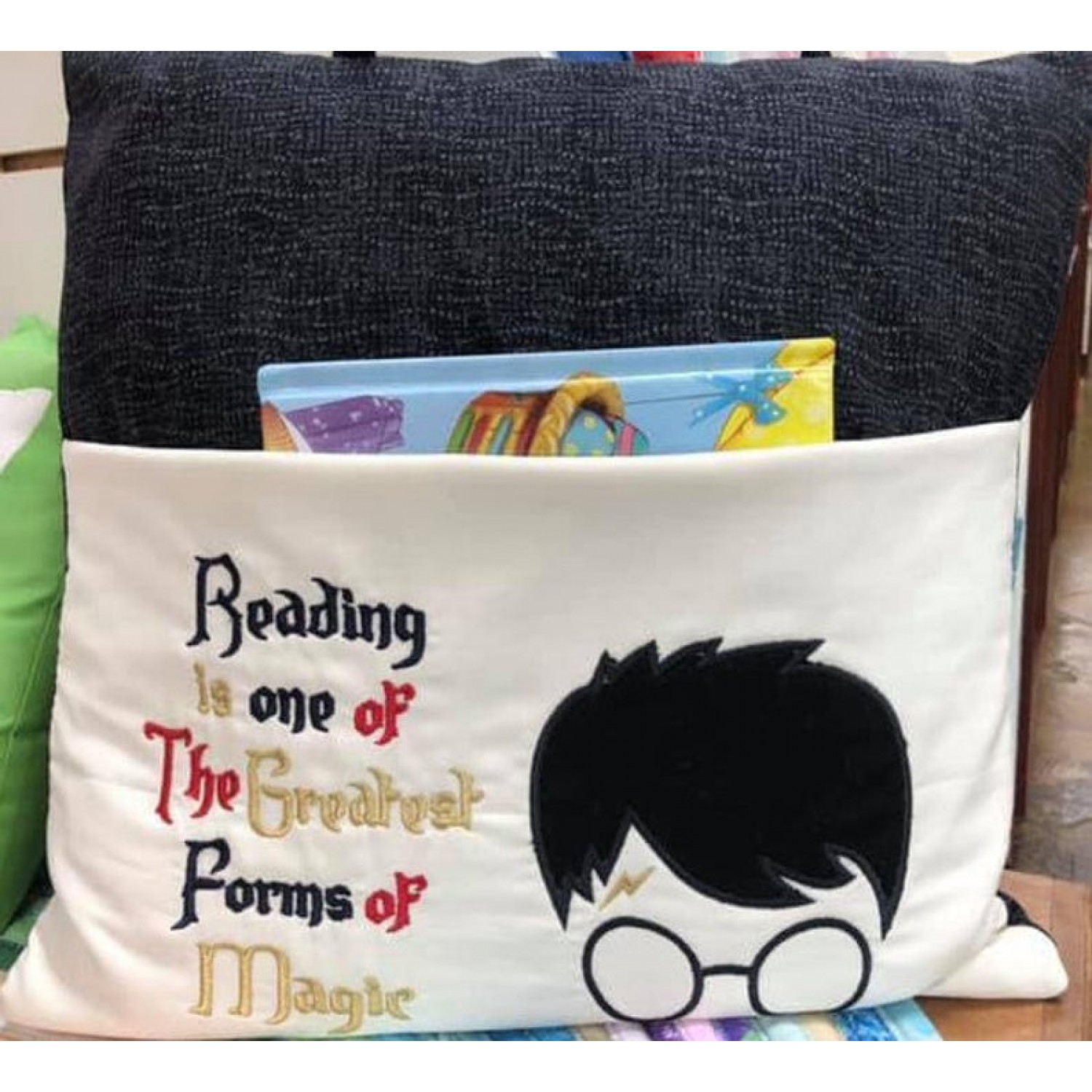 Harry Potter Face with Reading is one